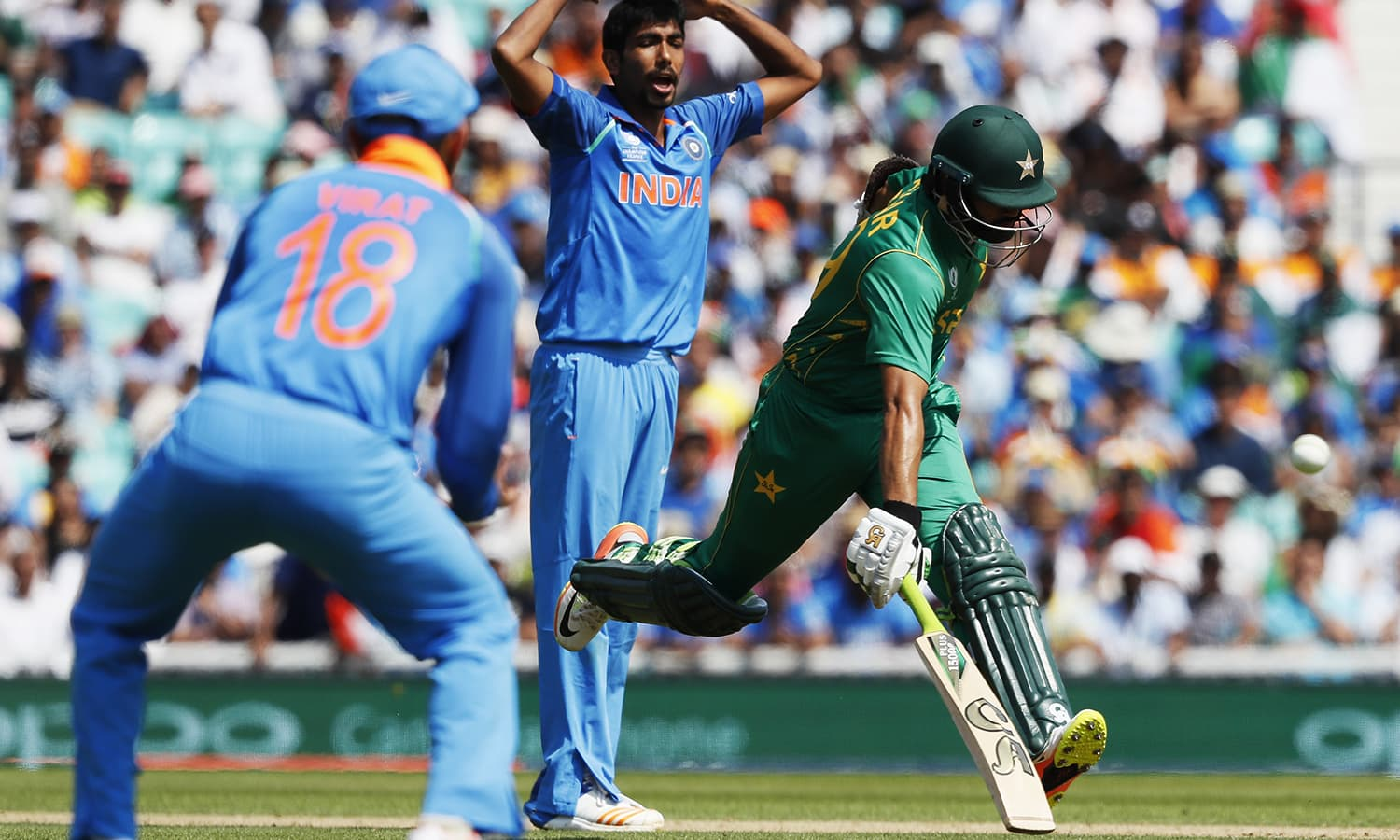 Azhar Ali, right, runs to make his ground during the final.─AP