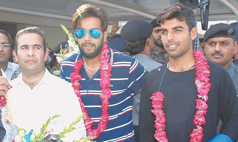 Pakistan's victorious Champions Trophy winning squad accorded heroes welcome on arrival