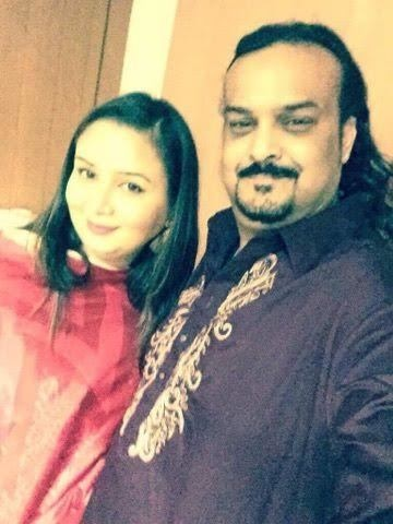 Amjad Sabri with his wife Nadia Sabri.—Courtesy Nadia Sabri