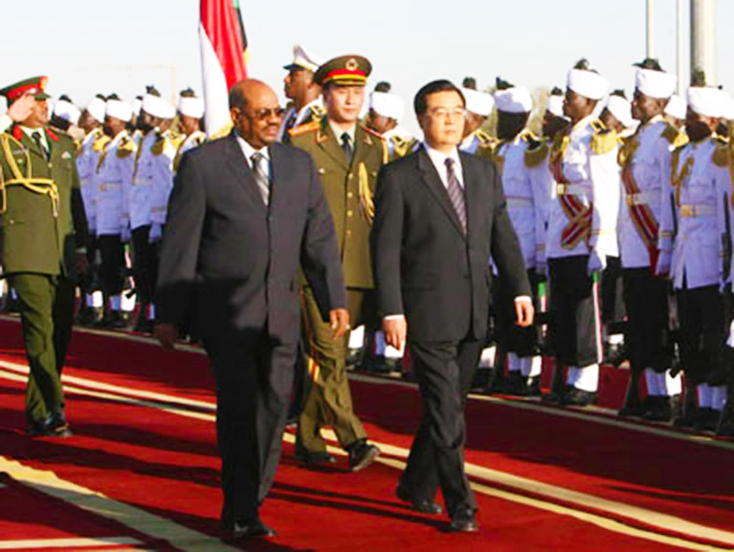Chinese President on a visit to Sudan. China has become Sudan's main foreign investor and trading partner. — Photo: China Daily.
