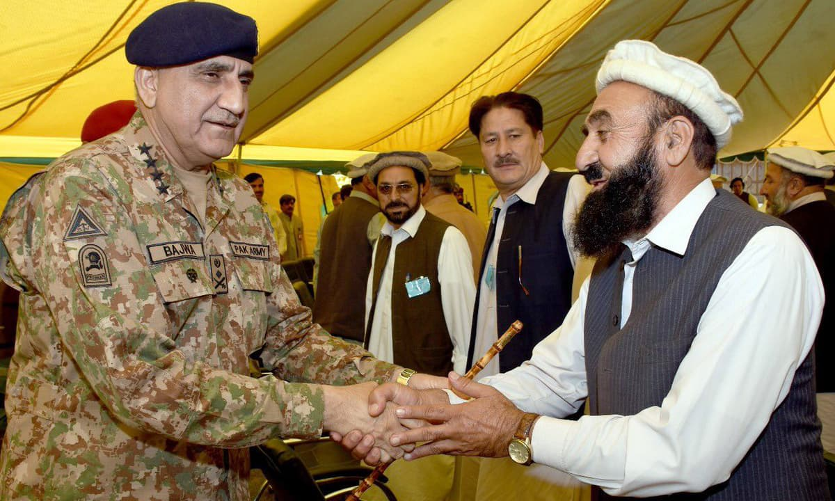 Gen Bajwa met the families of the victims of the twin blasts that tore through the city last week.