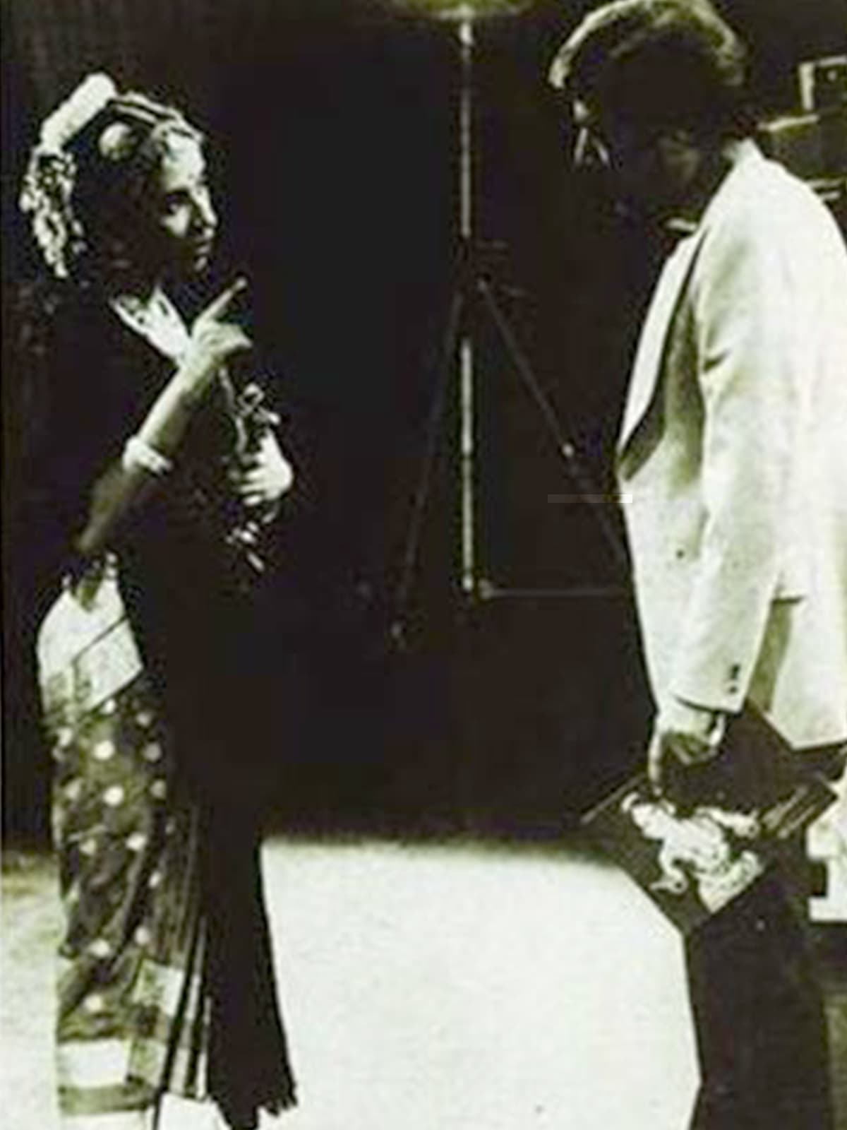 Zia with Bharata Natyam dancer Alarmel Valli | Photo taken from the February 1984 issue of the *Herald*