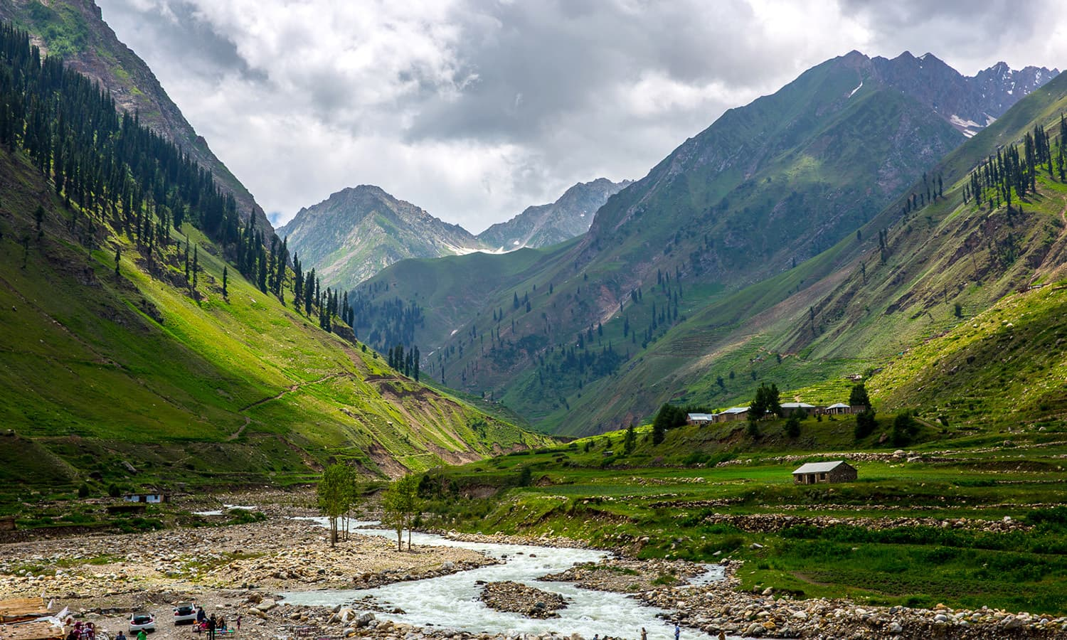 Burawai near Naran. ─ Photo by Ghulam Murtaza