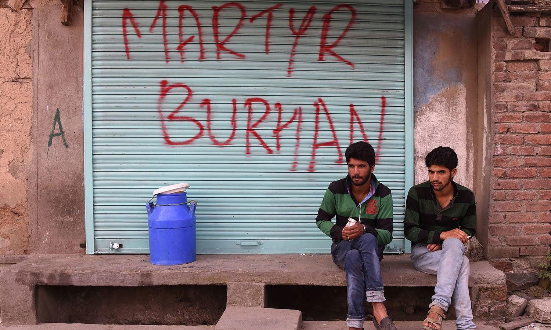 برہان وانی کی پہلی برسی کے موقع پر پورے کشمیر میں دکانیں اور مارکیٹ مکمل طور پر بند رہیں—فوٹو:اے ایف پی