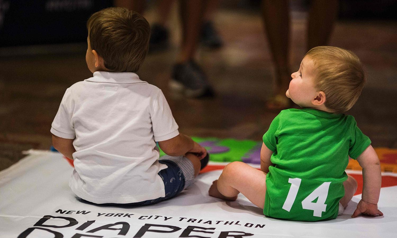 ریس میں 30 بچوں نے حصہ لیا — فوٹو/ اے ایف پی