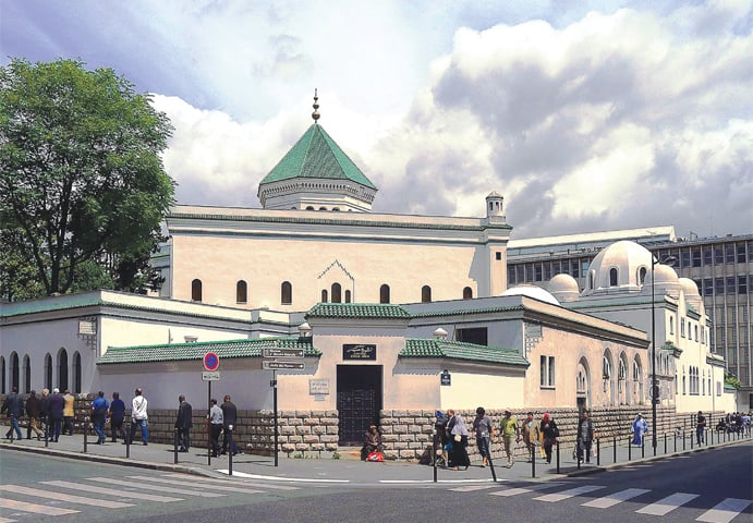The Grande Mosquée de Paris. According to the Brookings Institution, US, the largest concentration of Muslims is in Paris, followed by the cities of Marseille, Lille and Lyon | Creative Commons