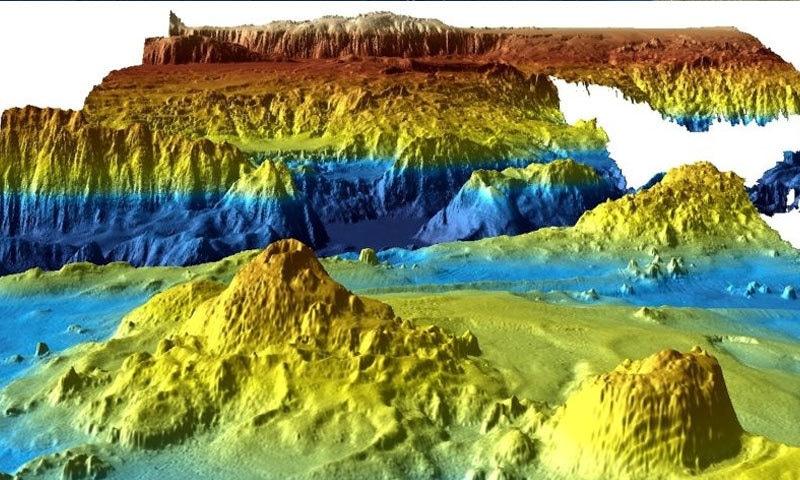 سمندر کی تہ کی تصاویر میں مختلف رنگ استعمال کیے گئے—فوٹو: جیو سائنس آسٹریلیا