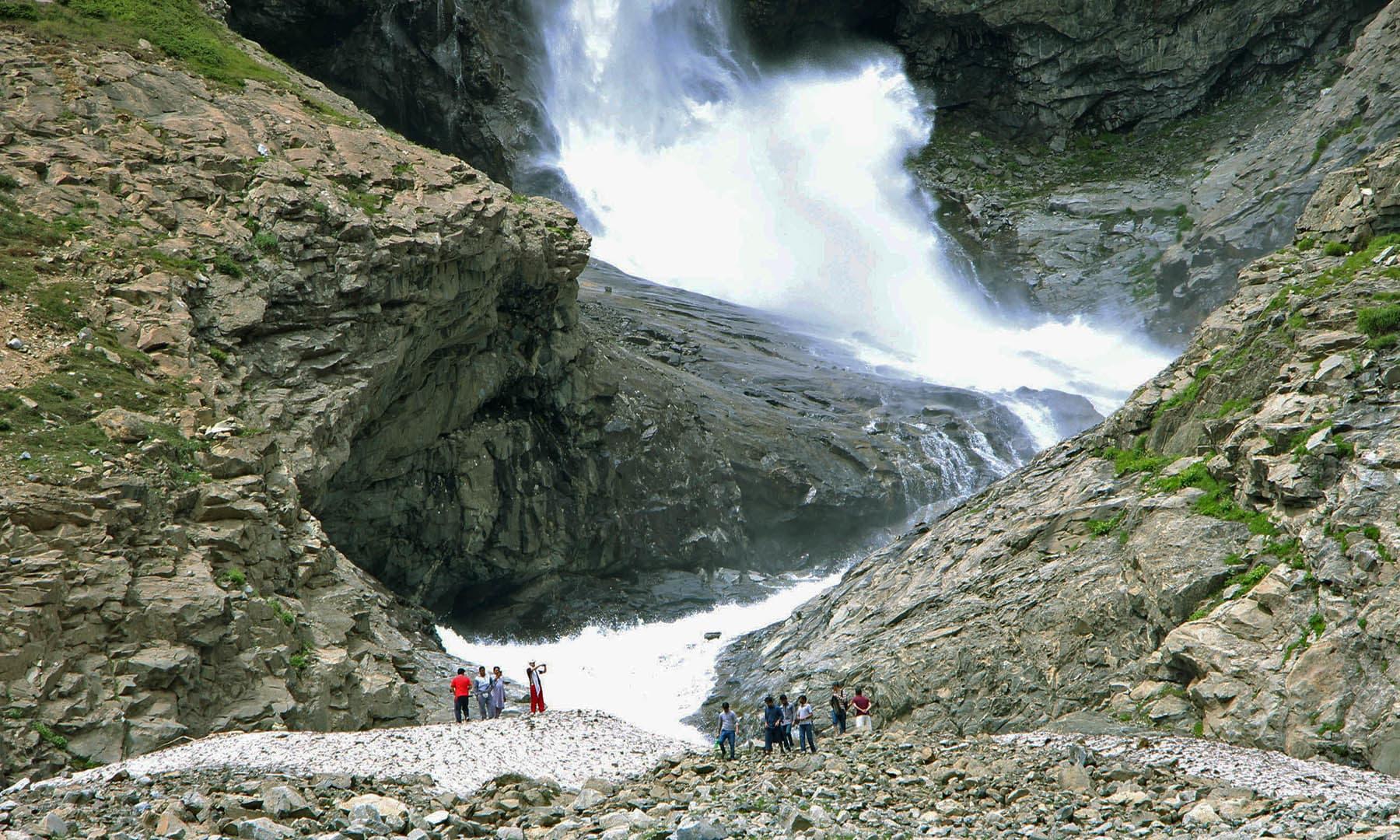 ڈونچار آبشار—تصویر امجد علی سحاب