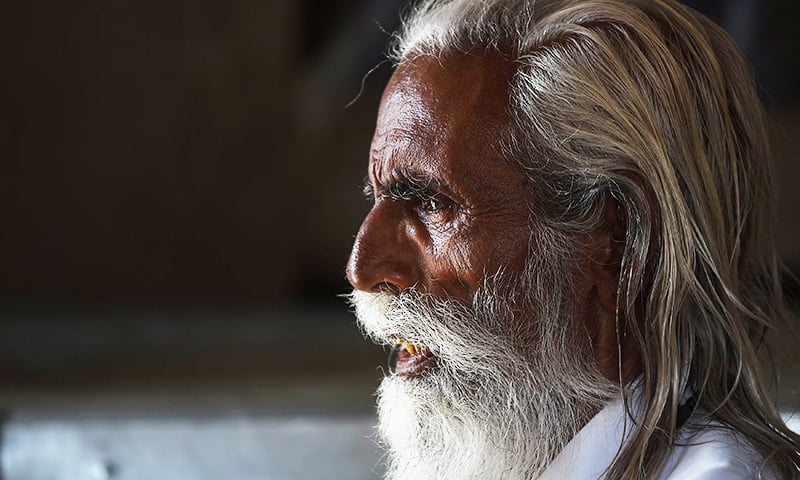 Pakistani national Jogdas, 81, sits in an unauthorised settlement for Pakistani Hindus in Jodhpur in India's western state of Rajasthan.─AFP