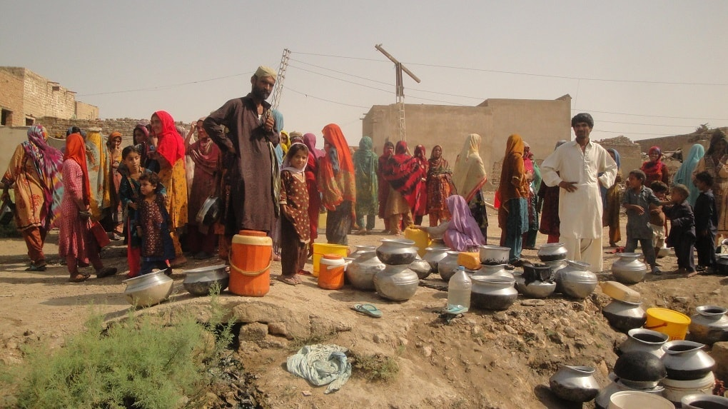 Women waiting for water in the village of Nagar khan brohi Manchar, in Jamshoro district, Sindh (image courtesy: PCRWR)