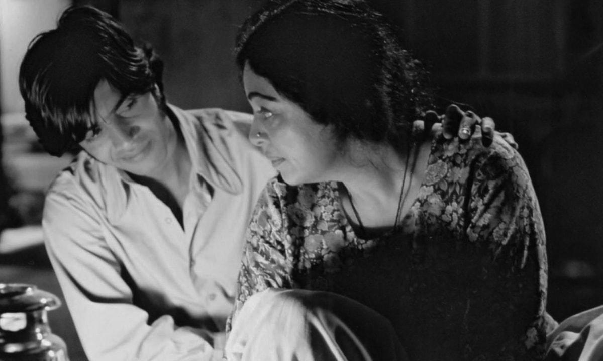 Aamir Ali Malik and Kirron Kher in *Khamosh Pani* (2003) | IMDb