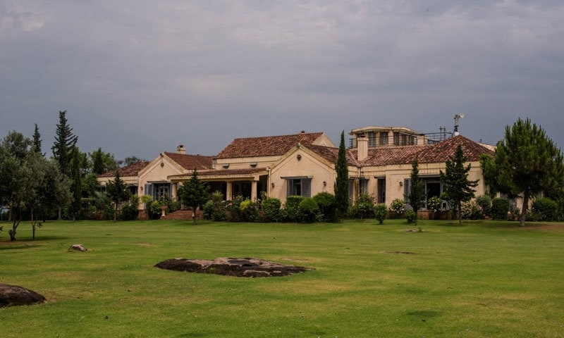 عمران خان کے گھر کا منظر—فوٹو: ڈان/وائٹ اسٹار