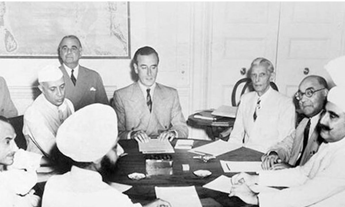 The final phase of Partition: Muhammad Ali Jinnah, Liaquat Ali Khan, and Jawaharlal Nehru with Viceroy Mountbatten during a meeting on June 2, 1947 | White Star photo archives