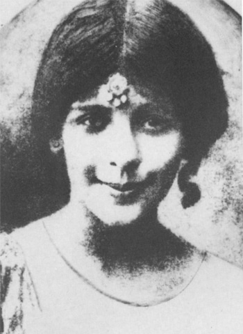 Rattanbai 'Ruttie' Petit, an only daughter herself, married Jinnah a day after converting to Islam. She died 11 years later