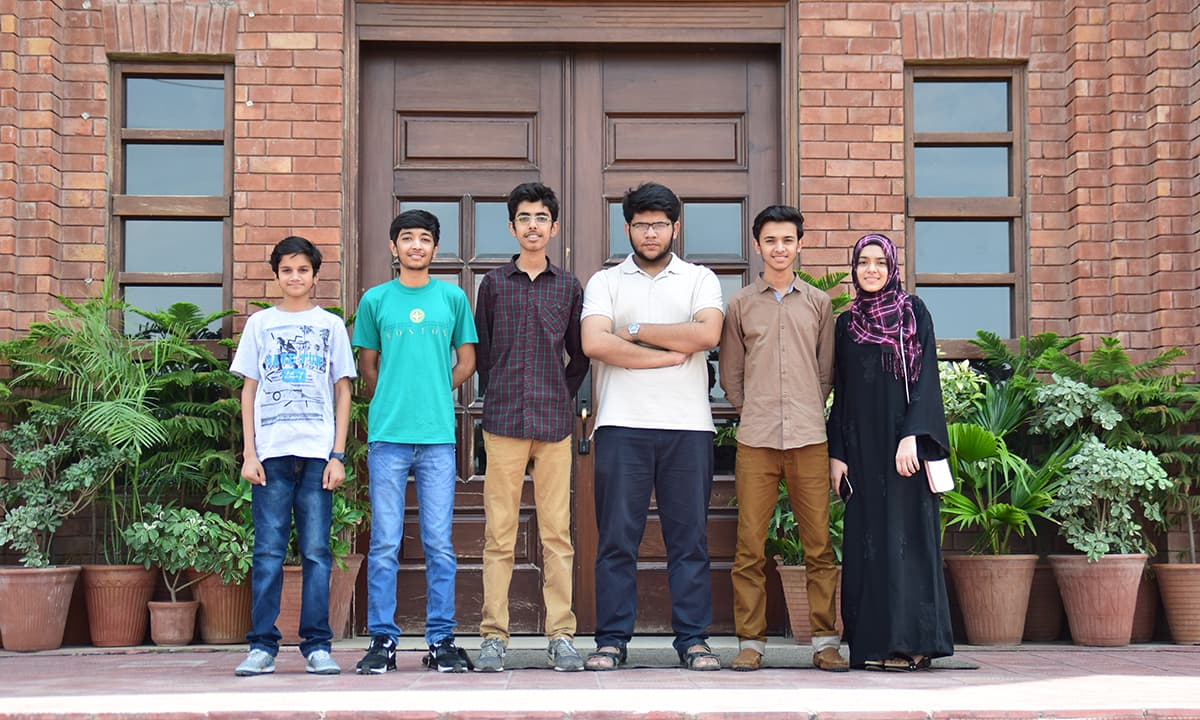 Team Pakistan from left to right: Syed Suleman Ali, Mohammad Bin Mohsin, Ahmed Waheed, Hamza Arshad Bhatti, Dawood Ahmad Kiyani and Maryam Ahmad Kiyani | Courtesy: FIRST Global