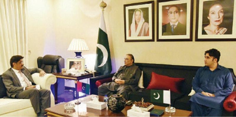 Sindh Chief Minister Murad Ali Shah calls on Asif Zardari and Bilawal Bhutto-Zardari at Bilawal House. – Online