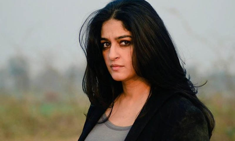 پاکستانی اداکارہ نادیہ جمیل —۔