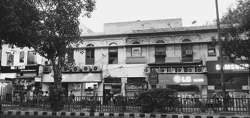 This recent photograph captures the renovated building which once housed the offices of Dawn Delhi in Daryaganj, New Delhi.  The offices were burnt down by Jan Sangh militants on September 14, 1947, and the newspaper ceased publication shortly afterwards. —​  Krishna Pal Rathore