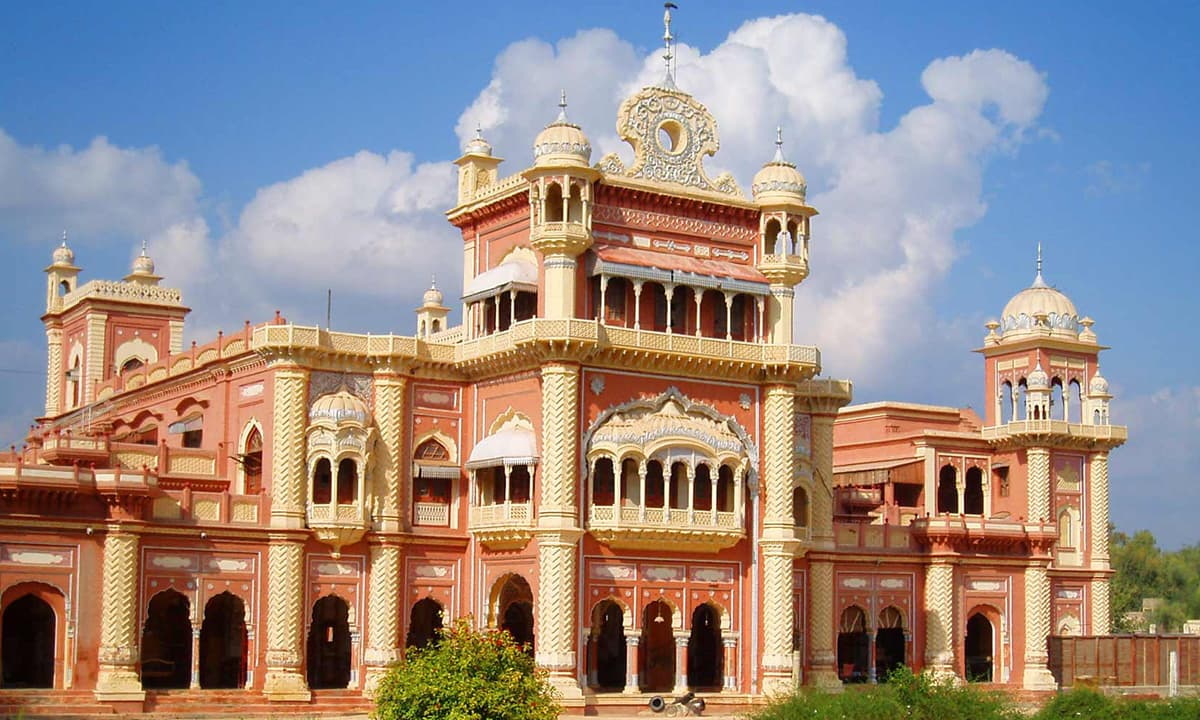 Faiz Mahal, built by the Talpur rulers of Khairpur in Sindh | Wikimedia Commons