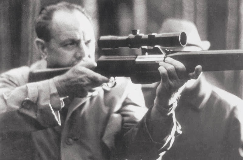 President Ayub Khan taking aim with a rifle during a hunting trip on the outskirts of Moscow during his official visit to the erstwhile USSR from April 3 to 11, 1965. — Photo: The Adnan Aurangzeb Collection