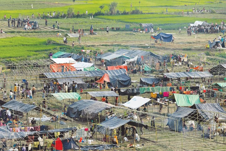Nearly 125,000 Rohingya Muslims have fled to Bangladesh in 11 days: UN
