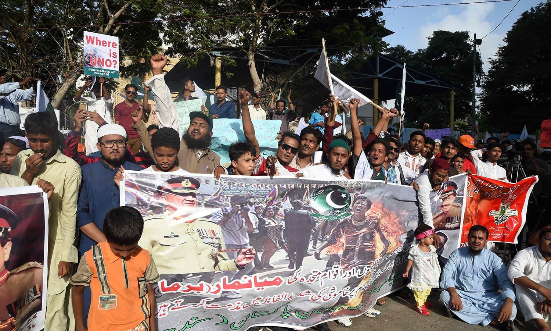 دنیا بھر میں روہنگیا مسلمانوں کی حالت پر میانمار کی حکومت کے خلاف احتجاج کیا جارہا ہے — اے ایف پی فوٹو