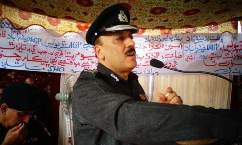 Sindh IGP A.D. Khowaja speaks at an event earlier this year.— Hanif Samoon