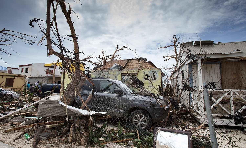 جزیرہ سنٹ مارٹن 60 فیصد سے زیادہ تباہ ہوچکا —فوٹو: اے ایف پی