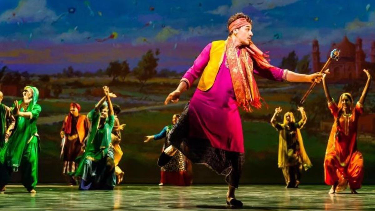 Ahsan Khan plays the titular Ranjha