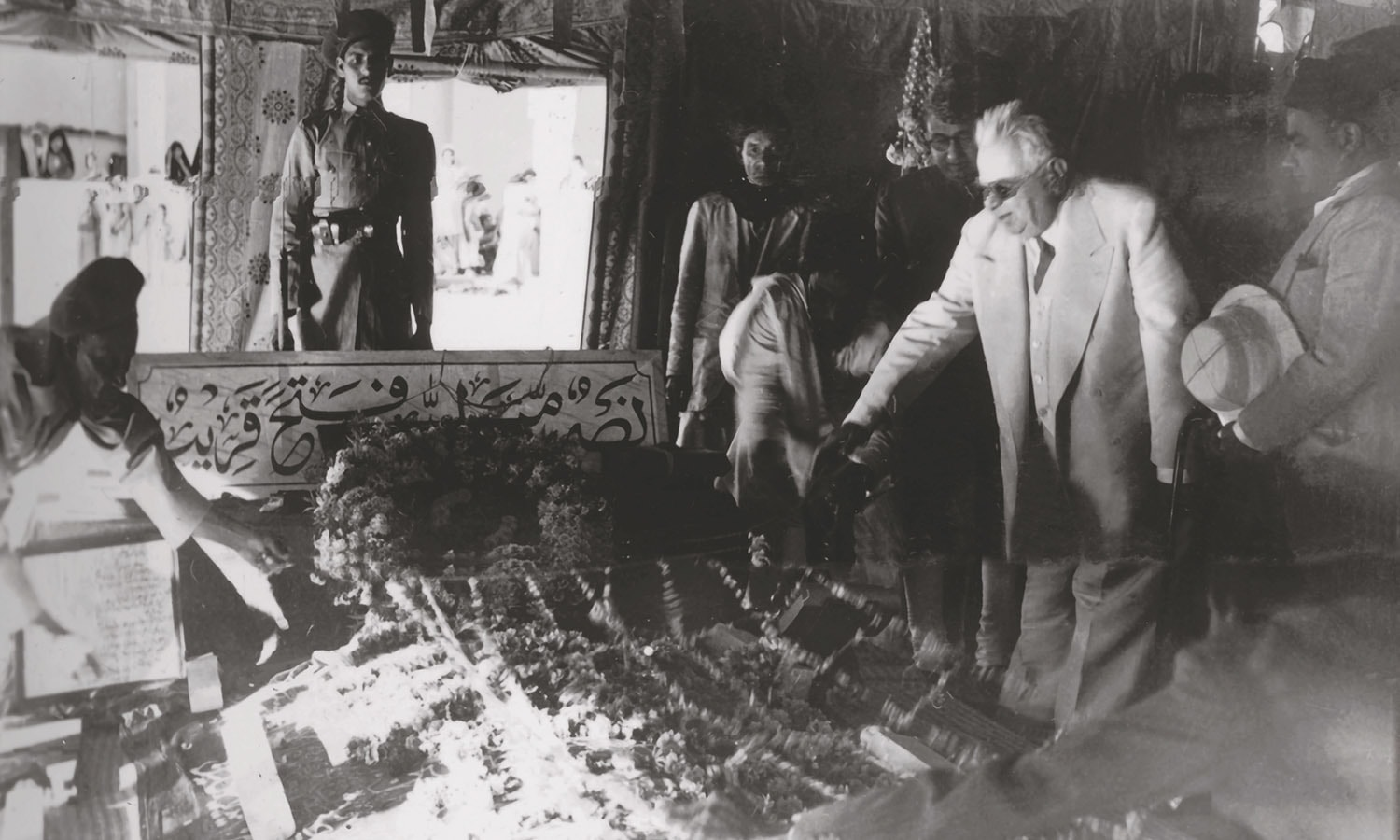 Sir Sultan Mohammed Shah Aga Khan III paying his respects to Quaid-i-Azam Mohammad Ali Jinnah a few weeks after the funeral. | Photo: The Press Information Department, Ministry of Information, Broadcasting & National Heritage, Islamabad (PID)