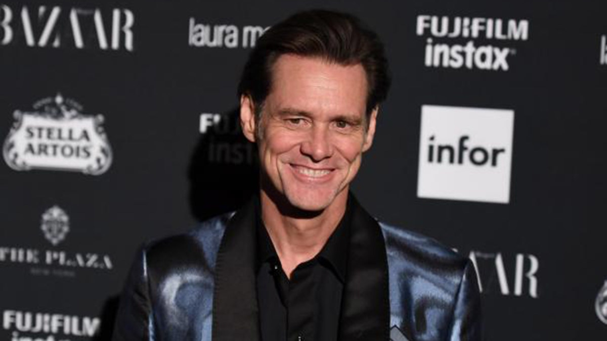 There's no meaning to any of this, says Jim Carrey on New York Fashion Week