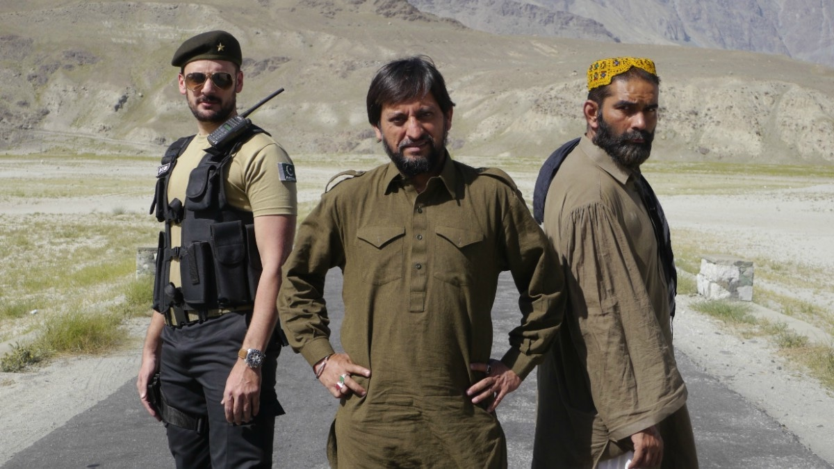 The film stars Saleem Mairaj (centre) in a lead role and Tipu Sharif (left) in a supporting role