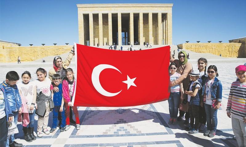 Turkish schools teach evolution one last time