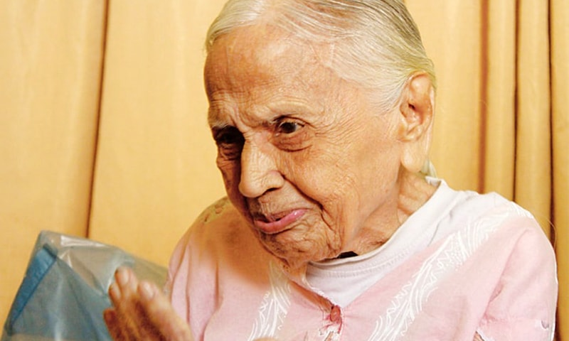 دادی لیلاوتی صرف ایک استاد نہیں بلکہ ایسا متحرک کردار تھیں، جنہوں نے مسائل کو اجتماعی طور پر حل کرنے کی کوشش کی۔ — فوٹو عرفان علی انصاری