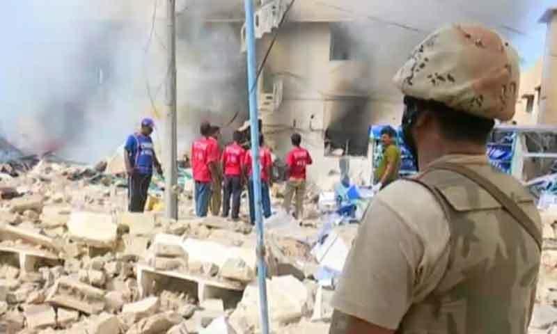 کراچی: کاسمیٹکس گودام میں دھماکا، 1 شخص ہلاک