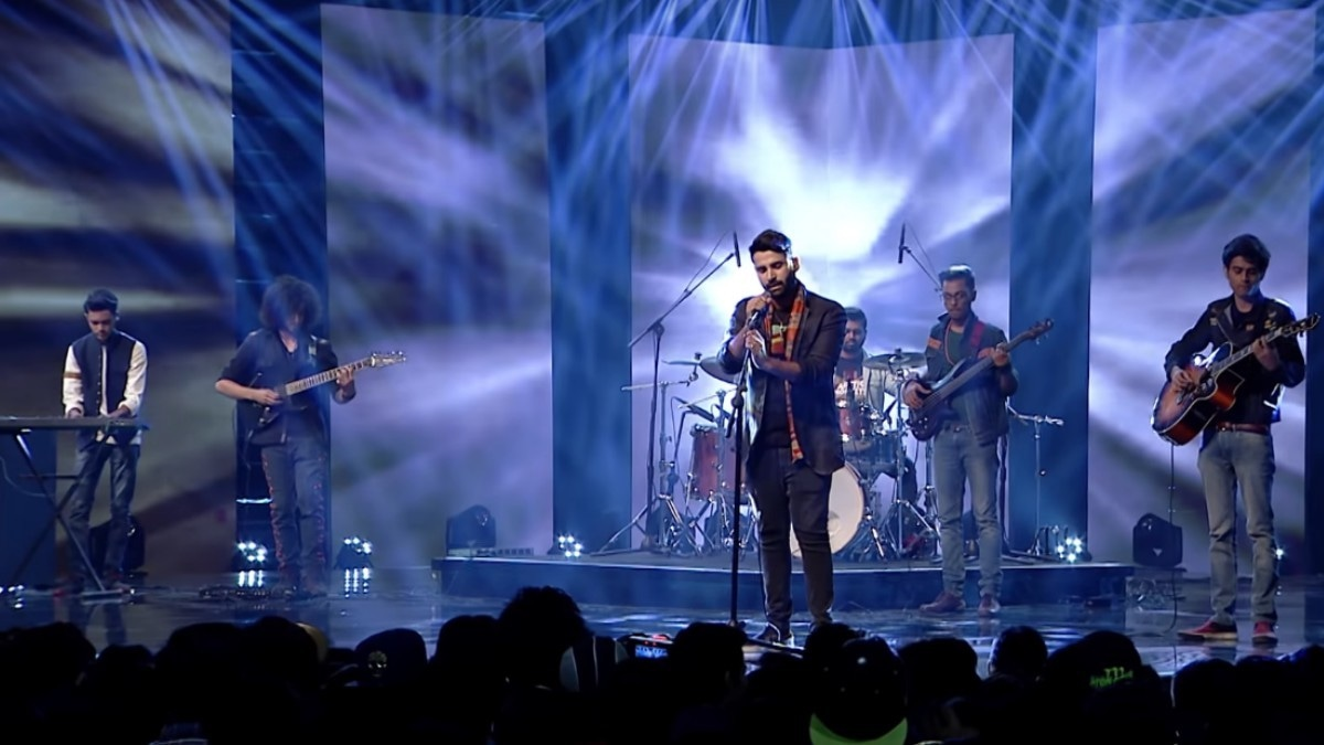 Kashmir performs a cover of 'Menda Ishq'