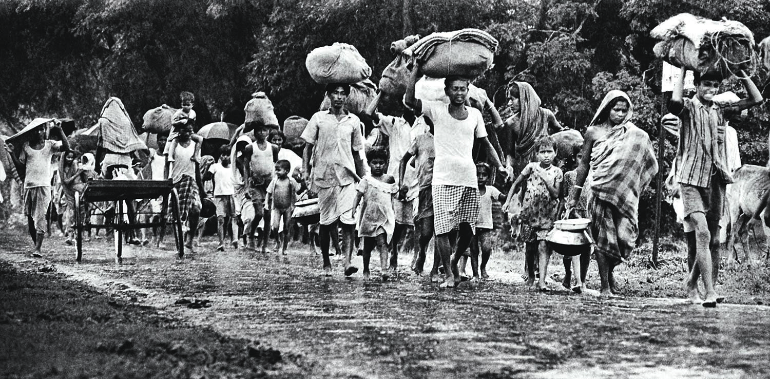 Millions of refugees fled East Bengal with bare belongings in search of safety. | Photo: Raghu Rai.