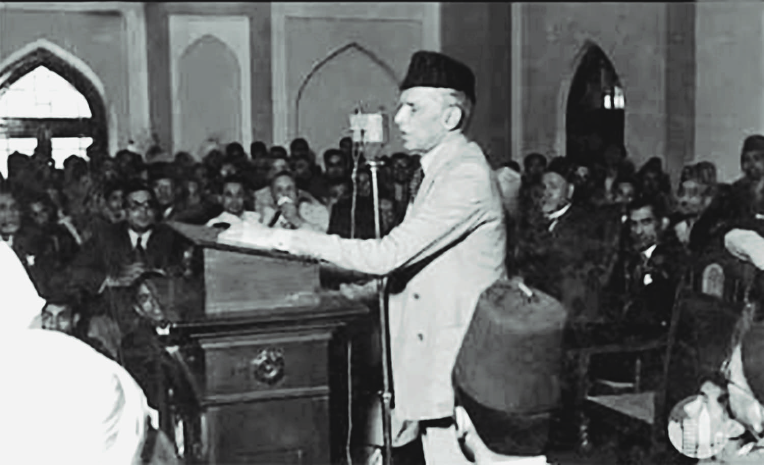 Quaid-i-Azam Mohammad Ali Jinnah addressing a gathering of Muslim League workers in Delhi in 1946.  | Photo: Dawn/White Star Archives