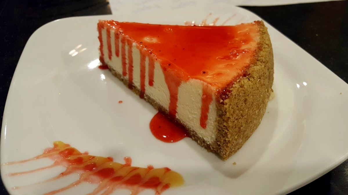 Love the sauce on top of the cheesecake