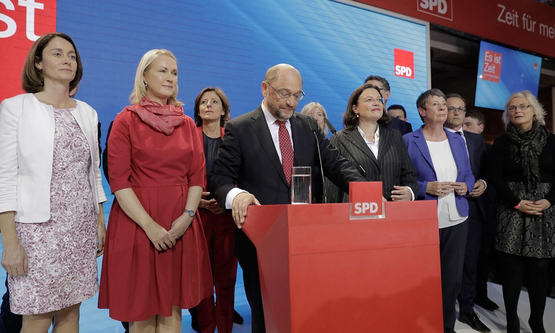 جرمنی کی جماعت ایس پی ڈی کے چیئرمین اور سرفہرست رہنما مارٹن اسکولز نے بھی کارکنوں سے خطاب کیا—فوٹو:اے پی