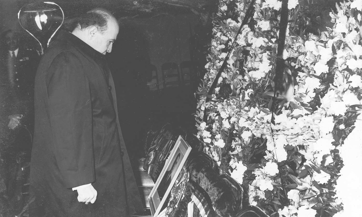 Prime Minister of Iran Amir-Abbas Hoveyda pays his last respects to President Mirza at the Sepahsalar Mosque in Tehran. | Photo: The Iskander Mirza Family Collection, Karachi