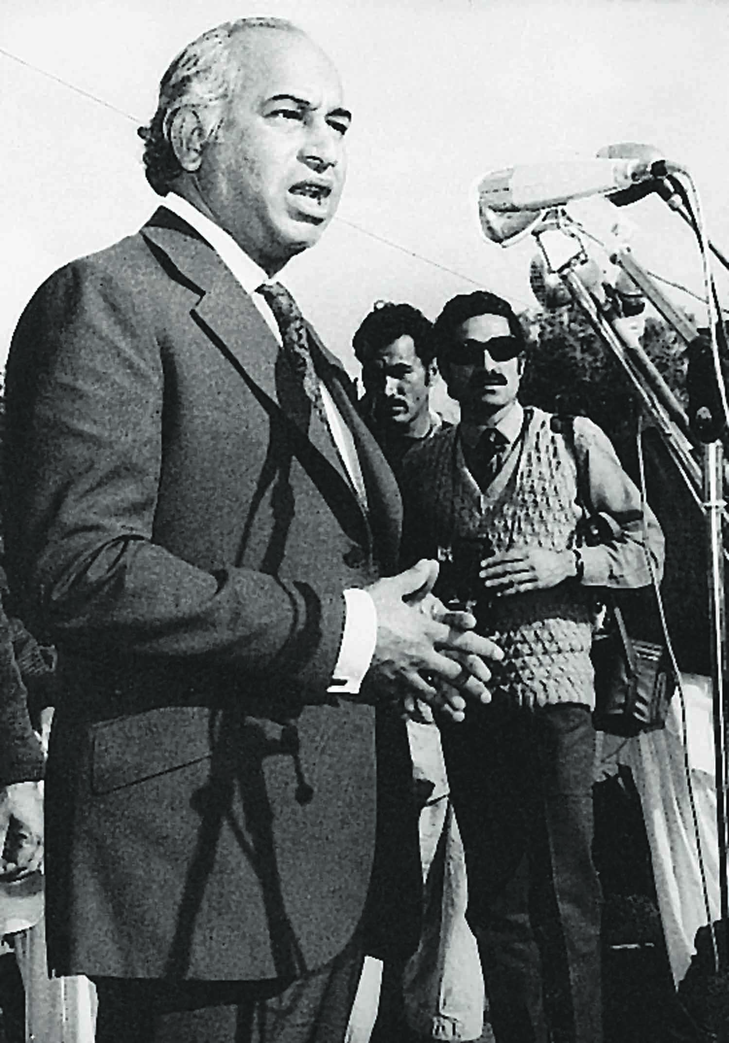 Zulfikar Ali Bhutto addressing a gathering in this undated file photo in Karachi. | Photo: Dawn / White Star Archives