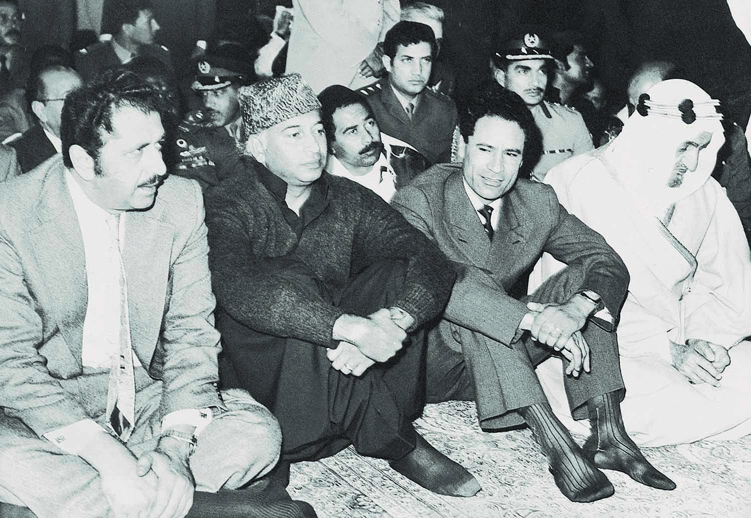 The Islamic Summit Conference in February 1974 was arguably the peak of popularity attained by Zulfikar Ali Bhutto. The Friday prayers at the Badshahi Mosque, as the Dawn Editorial put it, was a vast concourse unique in composition consisting of leaders of almost every Muslim country on earth. It was a soul-stirring experience even for those who watched it on their television screens. | Photo: Dawn / White Star Archives