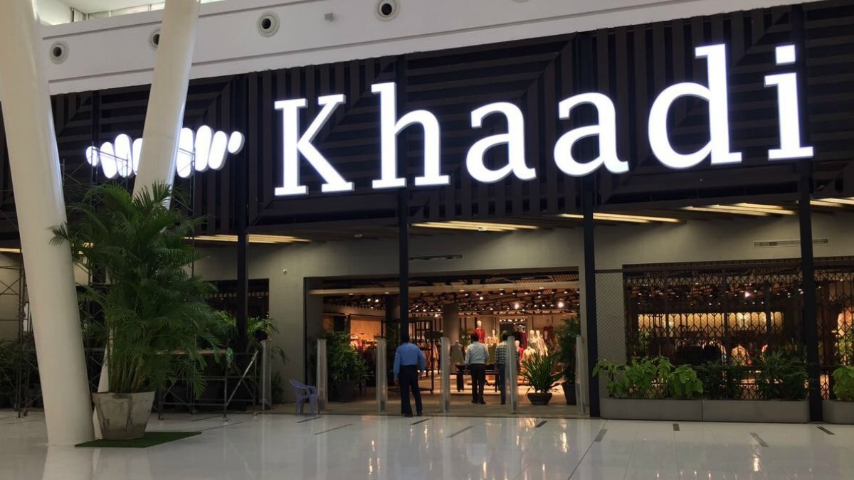 Khaadi's new megastore in Lahore will launch with a 38-hour sale this weekend!