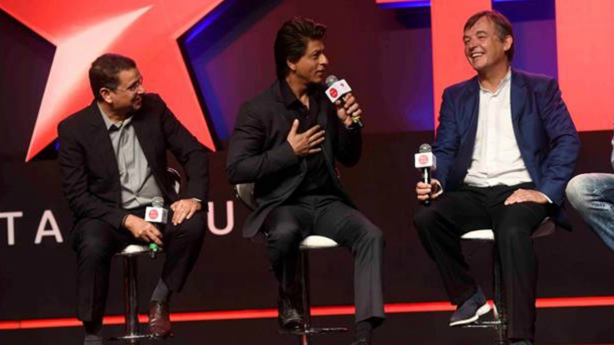 Uday Shankar, Shah Rukh Khan and Chris Anderson at the event. Image credit Star India.
