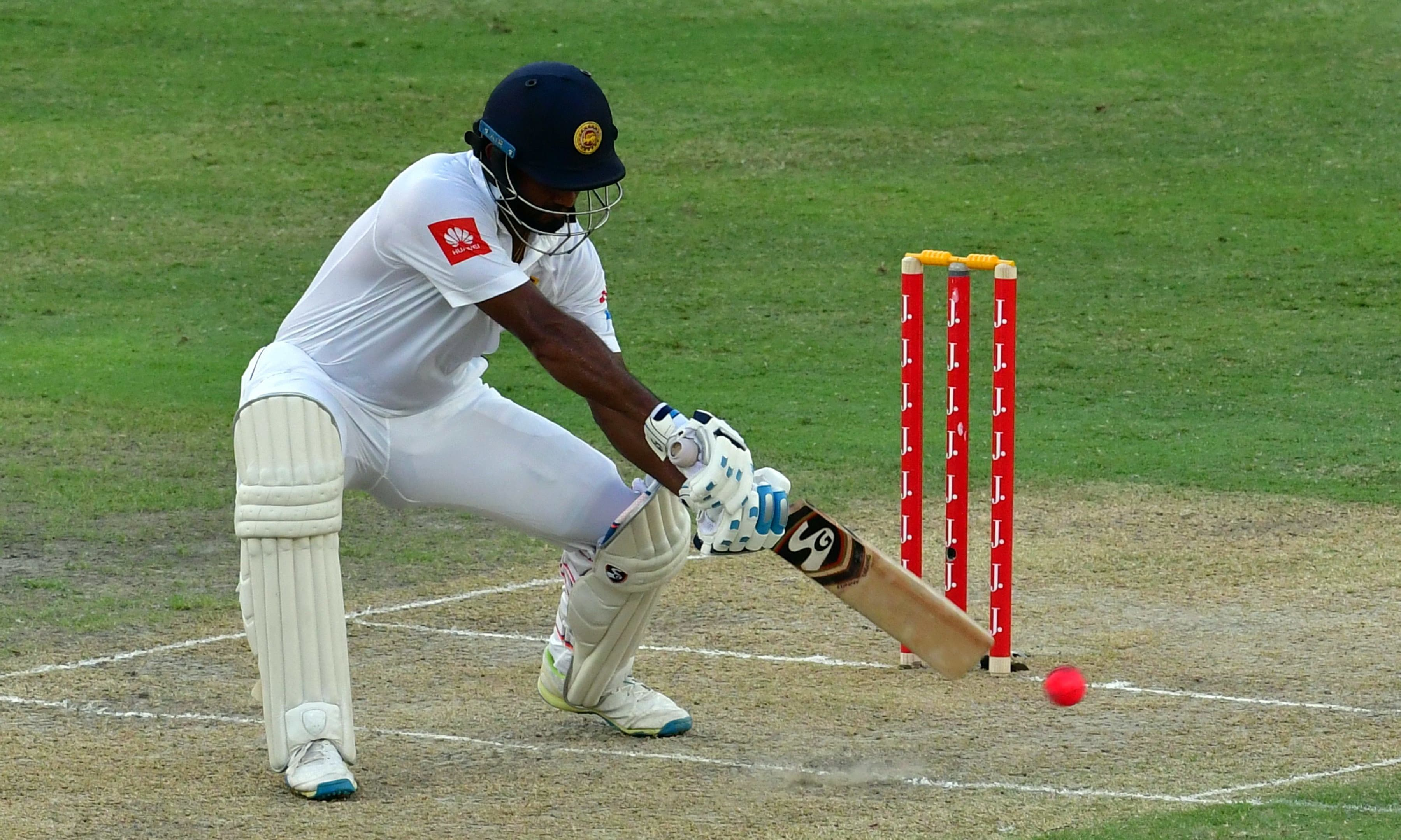 Sri Lanka sniff win over Pakistan after three blows by Dilruwan Perera