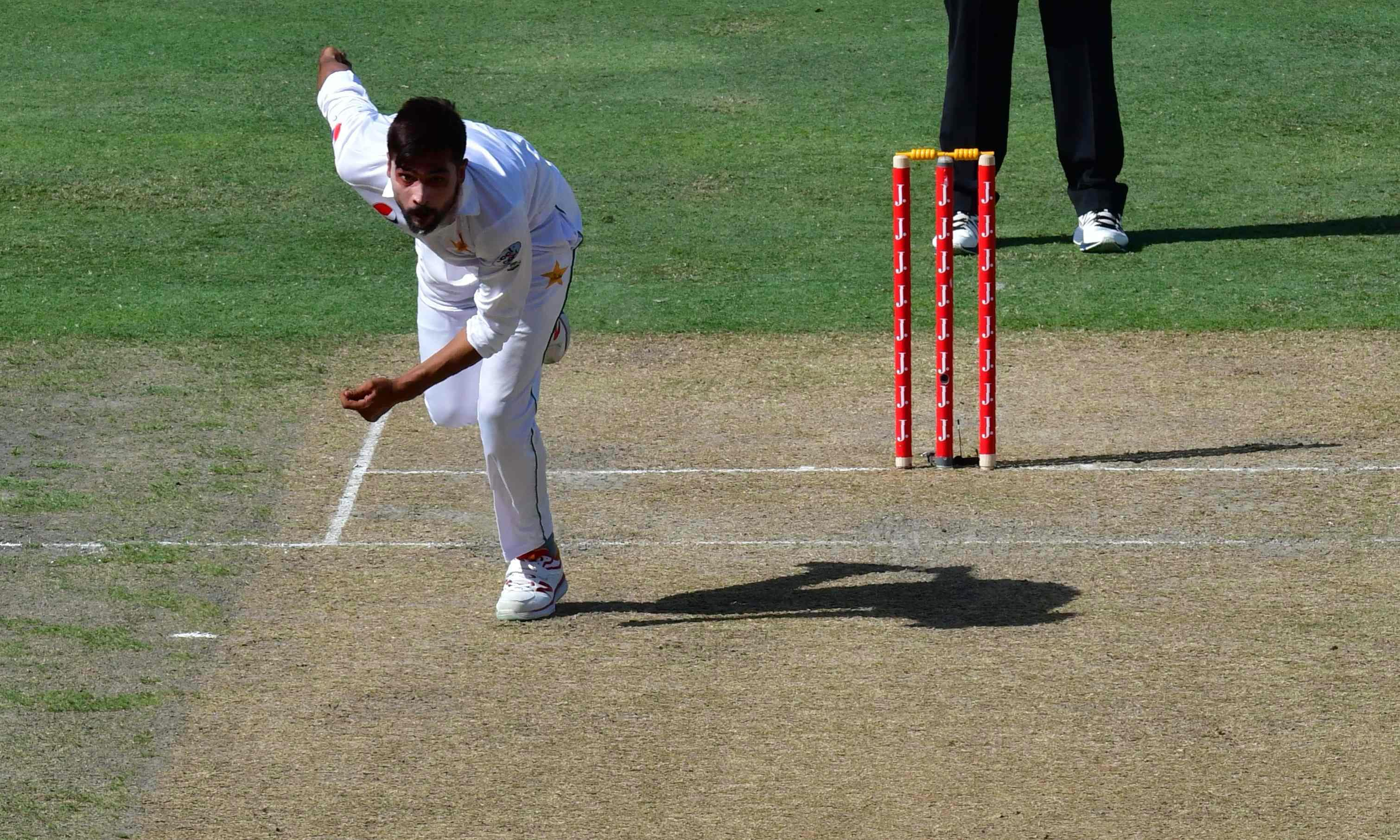 Amir had to walk off the field after bowling just three overs during the second day. —AFP