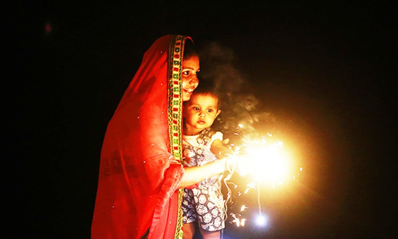India's top court bans firecracker sales before Diwali