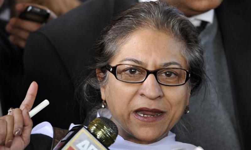 Asma Jahangir calls on Nawaz to take notice of Safdar's 'unacceptable' attack on Ahmadis