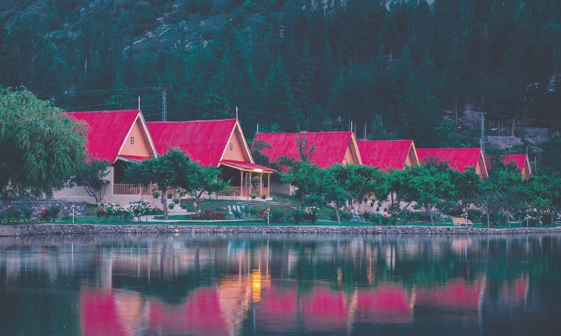 The chalets of the Shangrila Resort / Photos by the writer